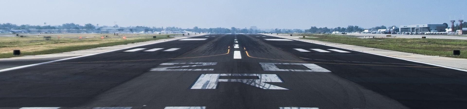 airplane-runway_wide