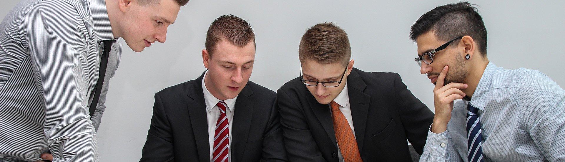 business-people-talking-meeting