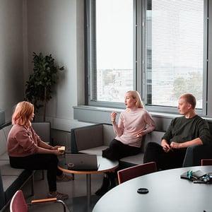 people-meeting-planning